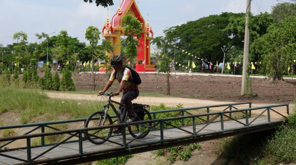 Wheeling through the Capital City of the Kingdom of Siam