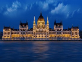 Active Discovery on the Danube (Linz - Budapest)