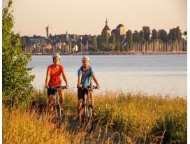 Explore Lake Constance, Rhinefalls & Basel on 2 Wheels